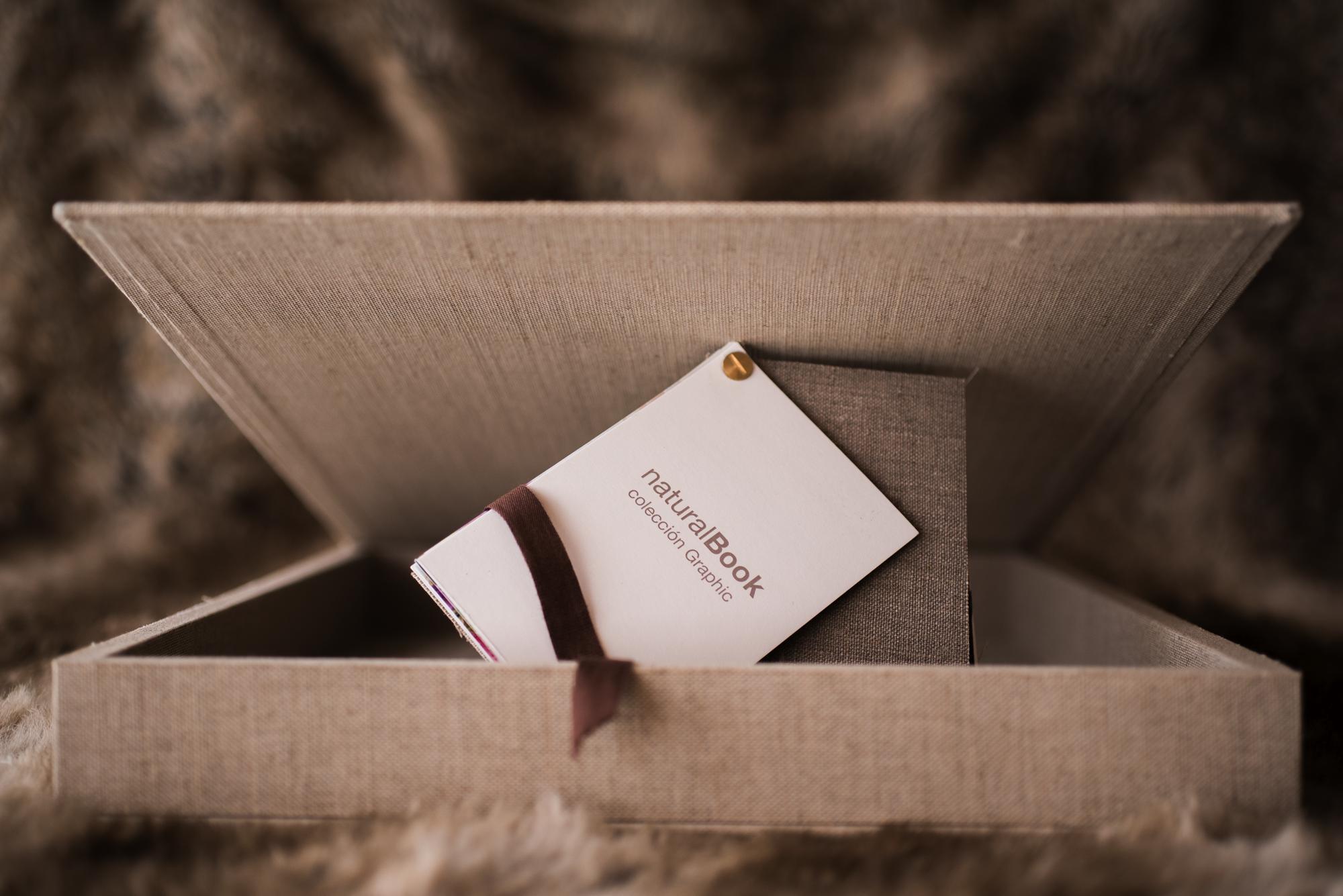Caja entelada lino avena